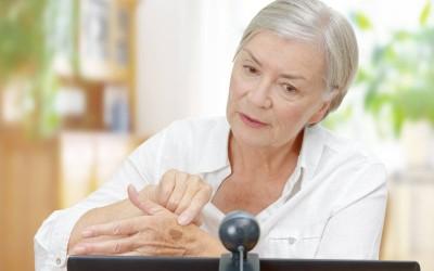 Jak przygotować się do konsultacji online u dermatologa?